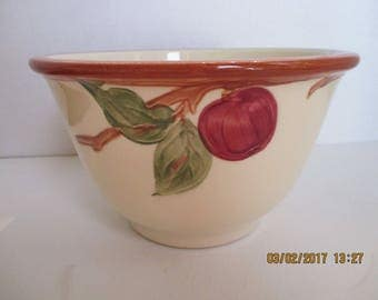 "Vintage Franciscan Apple Nesting Mixing Bowl - Medium size ~ 7 1/4"" W x 4 1/4"" H REDUCED"