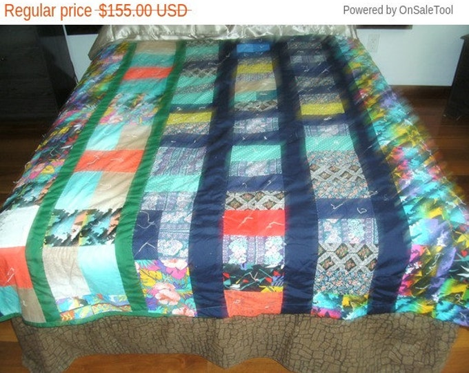 Sale: Vintage Scrap Bed Quilt or Bed Cover that fix a full size bed