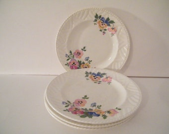 4 DundeeWare Bread Plates with Bouquet of Pansies and basket weave design, lovely vintage  replacement plates, kitchen ware
