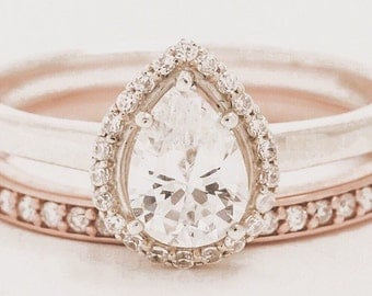 ENGAGEMENT ring // pear halo engagement ring // custom engagement ring // halo engagement ring // round halo engagement ring //