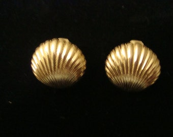 Shell Clip Earrings Gold Tone Free Shipping