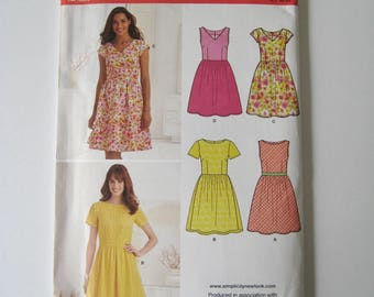 New Look K6262 Sewing Pattern Dress Sleeveless Easy Summer Gathered Skirt V-Neck Boat Neck Short Sleeve Plus Size 10 12 14 16 18 20 22 UNCUT