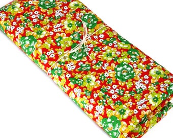 Red and Green Floral Fabric · Vintage Floral Fabric Flower Print Fabric · 200 x 110cm