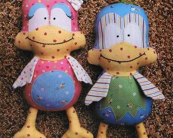Pattern ''Twitter'' Bird Soft Sculpture, Stuffed Toy, Softie, Cloth Toy Sewing Pattern by Melly & Me (MM057)