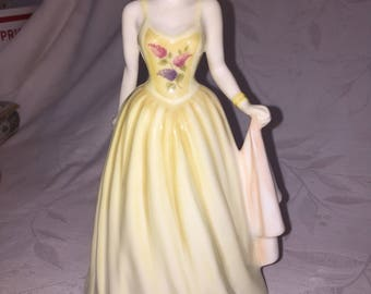 Royal Doulton Jennifer, Vintage Collectables, English Bone China, Collectable Figurines, Antiques Made in England