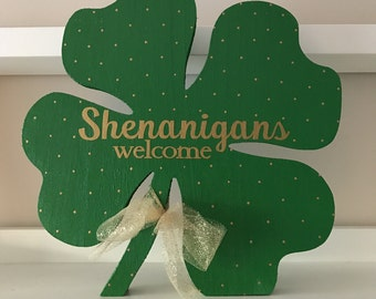 Large Shamrock / St. Patrick's Day Decor