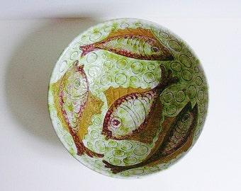 Mid Century Italian ceramic sgraffito bowl with fish décor.