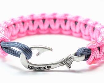 Slim Cobra Paracord Fish Hook Bracelet (Pink & Navy)