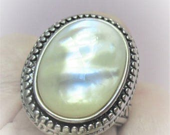 Mother of Pearl Cocktail Ring MOP Vintage Statement Ring Evening Wear Jewelry Glam Bling Size 9 1/4 Bezel Setting Silver Tone Costume Ring