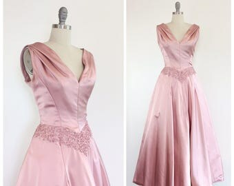 50s Light Pink Satin and Sequin Evening Gown / 1950s Vintage Party Prom Dress / Medium / Size 6 to 8
