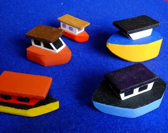 5 Little wooden fishing boats for young children to play with imaginative fun.