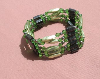 Retro Magnetic Wrap Green Beaded Bracelet