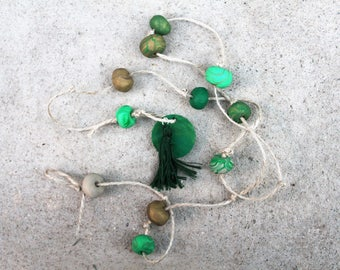 Clay hanging decor dark green and gold