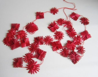 Red retro straw garland with 30 stars for Christmas and home decor for hanging