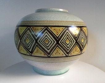 Large Alvino Bagni For Raymor Diamond Pattern Vase