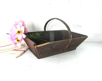 Wooden trug basket, harvest basket, gathering basket, French vintage wood basket, French country decor, garden basket.