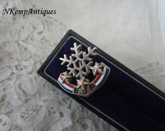 Old ski brooch French