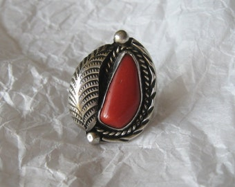 Vintage Native American CORAL Ring with Detailed Feather, Roping, and Style!