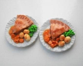 Barbie  doll food chicken pie for two