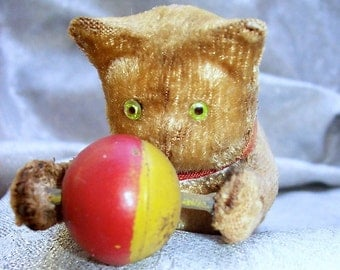 Antique WIND - UP Plush Fur Cat TOY with lass Eyes playing with Ball