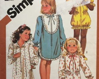 Simplicity 6182 Toddler Girl's Pajama and Robe with Design Options Pattern Toddler Size 3  Published 1983