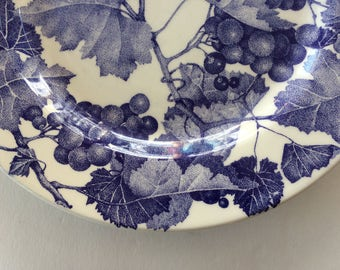 Blue Grape Dinner Plate - Italy - Windsor Browne - Enchanting Grape Vine Design - 7 Available - Country Cottage Farmhouse Interior Decor