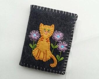 Cat Needle Book, Wool Felt Needle Case, White Cat Needle Book, Embroidered Needle Holder