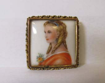 Vintage France/Limoge Portrait Pin W #570