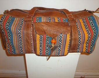 Must See!! Beautiful Tapestry Overnighter/ Travel/Weekender Duffel Bag