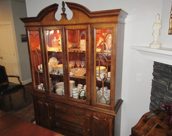 STONELEIGH STANLEY FURNITURE Corporation China Cabinet