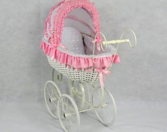 Jacqueline Doll Carriage Beautiful wrapped from Bubble Blastte