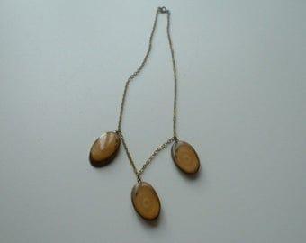 Art deco polished wood pendant necklace
