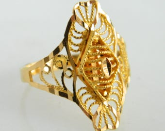 Stunning 21K Yellow Gold Ring size 6.5