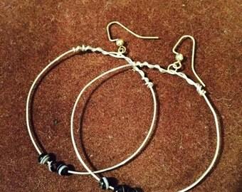 Bella silver three black beads