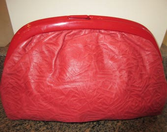 LOVELY Red Leather 1980's Clutch Bag - MADE In ITALY - Cute!!