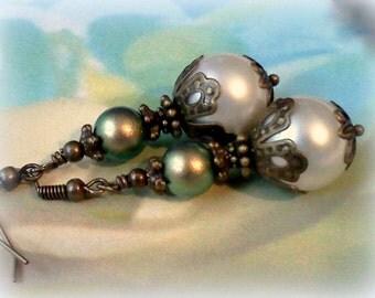 Swarovski Pearl Earrings, Shell Pearl Earrings, Vintage Style Earrings, Victorian Style Earrings,Handmade Earrings,Iridescent Green Earrings