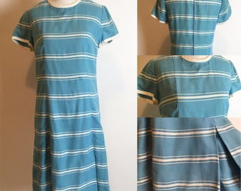 S/M 1950s Leslie Fay Blue and White Striped Dress