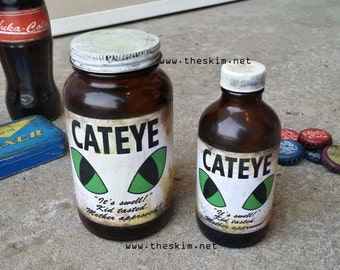 Fallout New Vegas Cateye Glass Bottle Prop, Replica Cat Eye Fall Out NV Cosplay Props Collectible Mentats Buffout Rad-X Nuka Cola Quantum