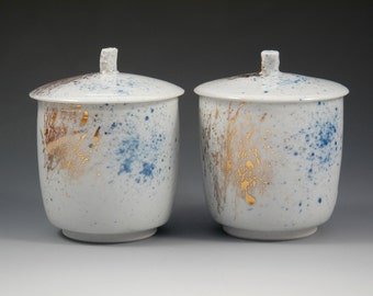 Modern Yunomi, Minimalist Teacup, Lidded Teacup, Porcelain Lidded Jar, Blue and White Porcelain, Teacup with Lid, Indigo and Gold Ceramics