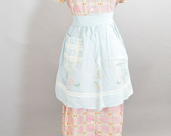 Baby Blue 50s Apron// Vintage Apron// Housewife Apron 1950s Hand Embroidered