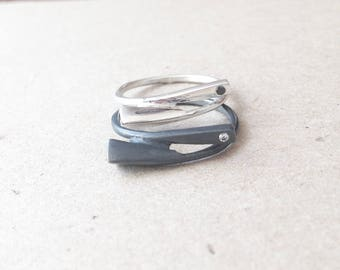 S08-Sterling silver and zircon simple ring.