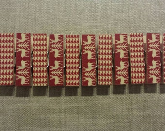 Small chunky Christmas red deer clothespins- card display/photo clips/accessories/ gift wrap/ banner clips