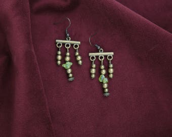 Antique style earrings, with natural stones