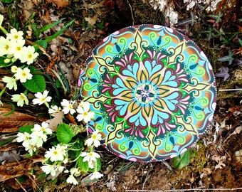 Mandala pintada a mano to give mindfullness and serenity; Buddhist and spiritual decoration; gift idea for friend or wedding.