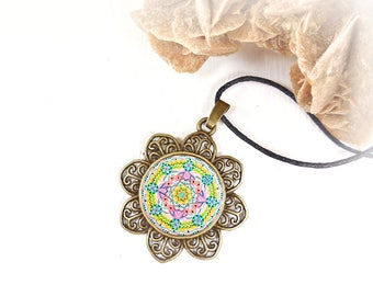 Mandala necklace yellow, green and pink with sacred geometry, lotus flower; perfect as a gift idea for expectant mother and women.