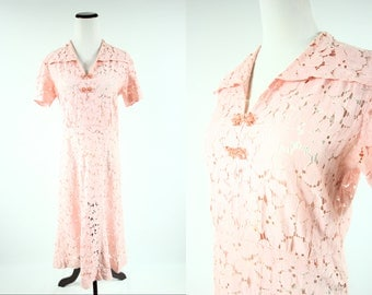 1940's Pink Floral Lace Dress w/ Flower Buttons