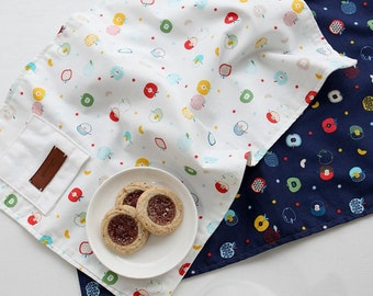Vivid Apples Pattern Cotton Fabric by Yard - 2 Colors Selection