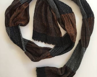 Pleated hand-woven fine merino wool and silk scarf