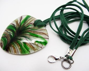 Green Heart Pendant Necklace, Long Pendant Necklace, Green Heart Pendant Necklace, Lamp Work Pendant Necklace, Glass Pendant, Boho Necklace