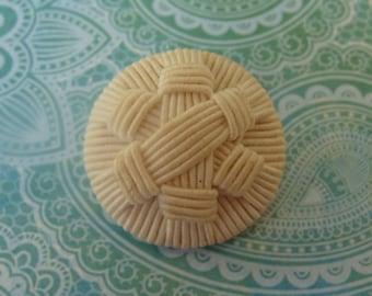 Medium Textile fabric button - woven design - joli bouton en tissu